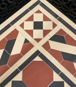 Geometric Floor 5